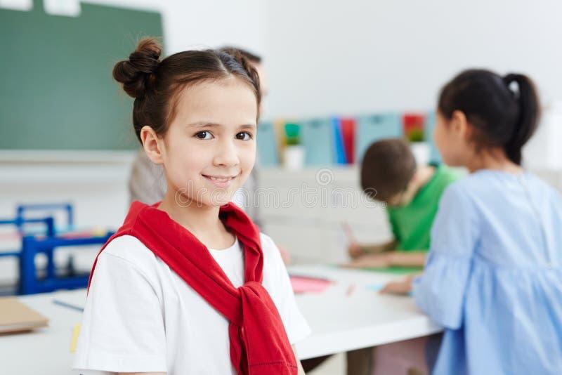 Entzückendes Schulmädchen stockbilder