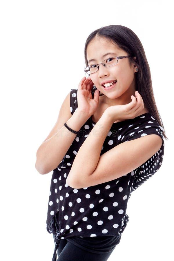 Entzückendes Tween-Mädchen mit netter Haltung lizenzfreies stockbild