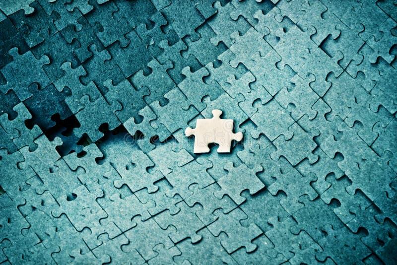 entziehen Sie Hintergrund Staplungs- und zerstreute Puzzlespiele des gleichen c lizenzfreies stockfoto