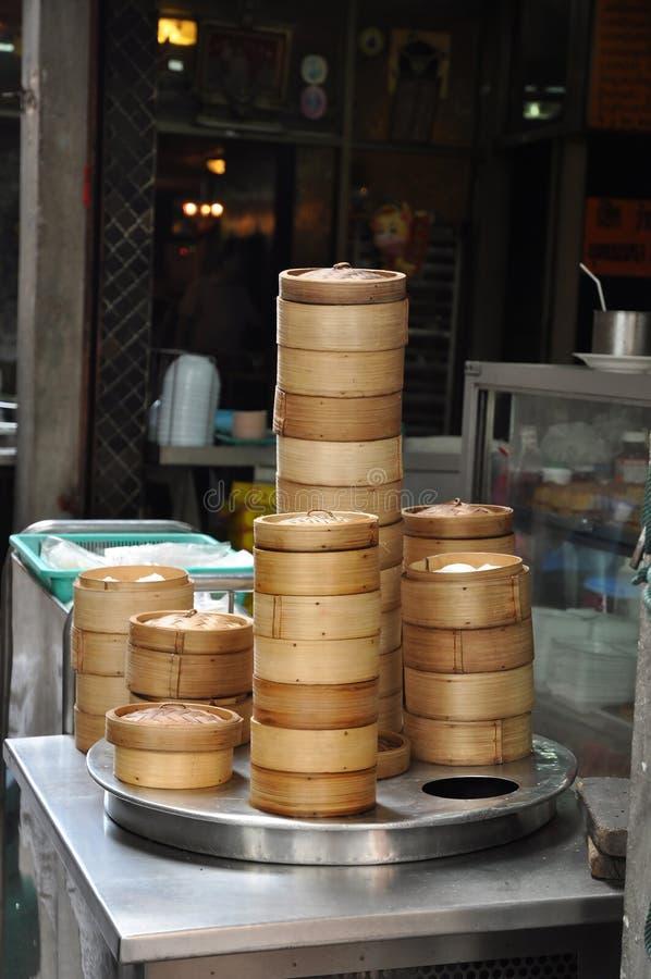 Envase de bambú tratado con vapor de Dim Sum fotos de archivo