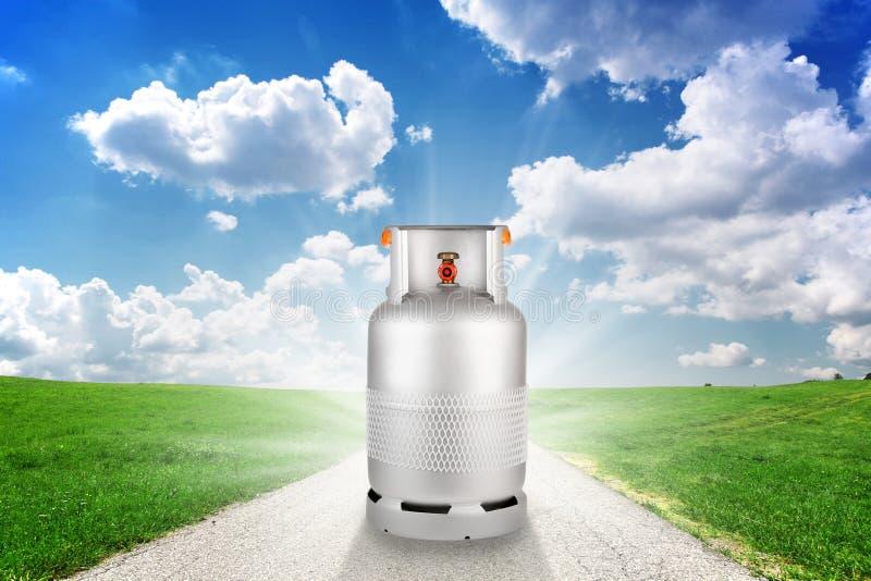Envase del gas en naturaleza verde imagen de archivo libre de regalías