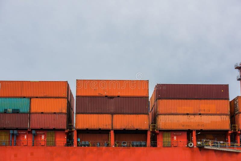 Envases de la nave fotografía de archivo libre de regalías