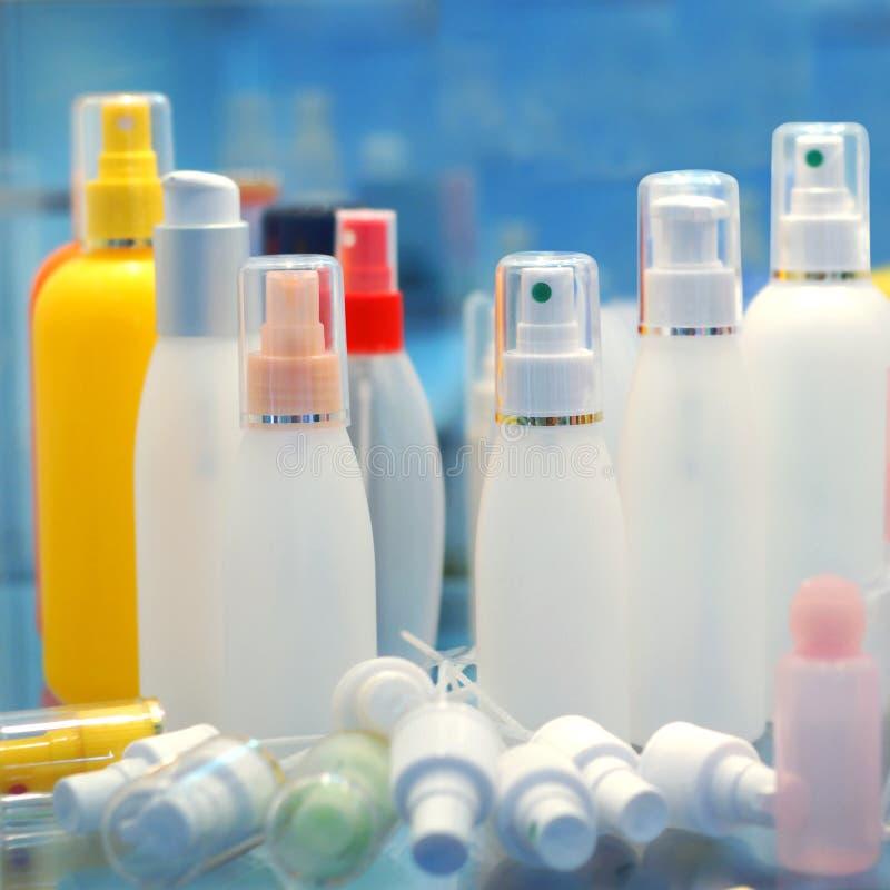 Envases de producto cosméticos imagenes de archivo