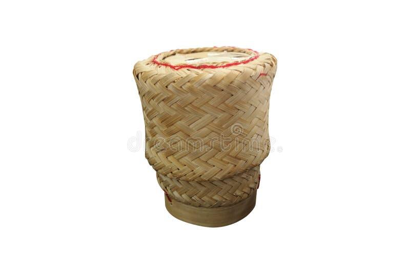 Envases del arroz pegajoso hechos de bambú, aislado en el fondo blanco con la trayectoria de recortes ilustración del vector