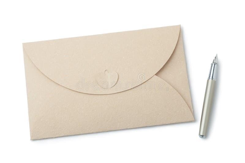 envelop en vulpen royalty-vrije stock afbeelding