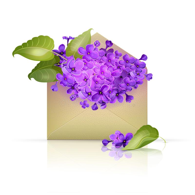Envelope de papel enchido com as flores lilás fotografia de stock