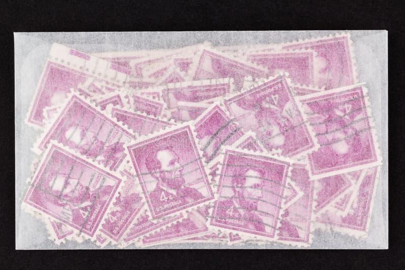 Envelope do papel glassine com Lincoln Stamps fotografia de stock royalty free