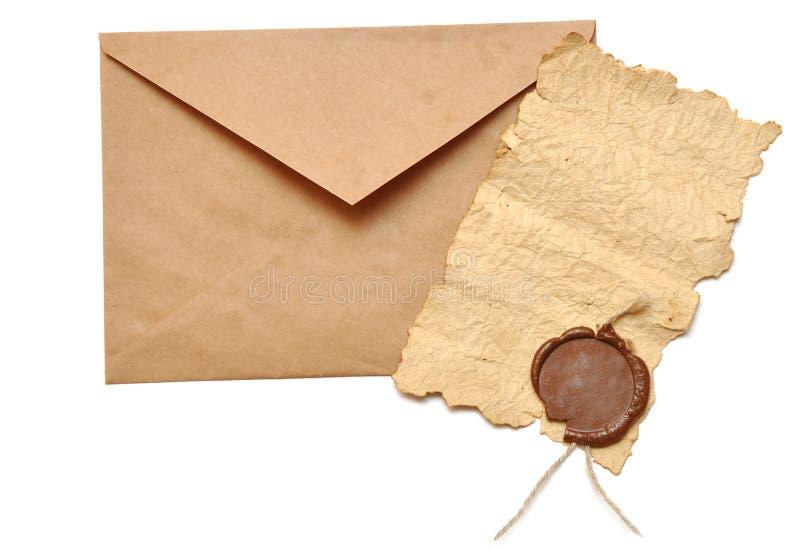 Envelope e papel velho fotos de stock