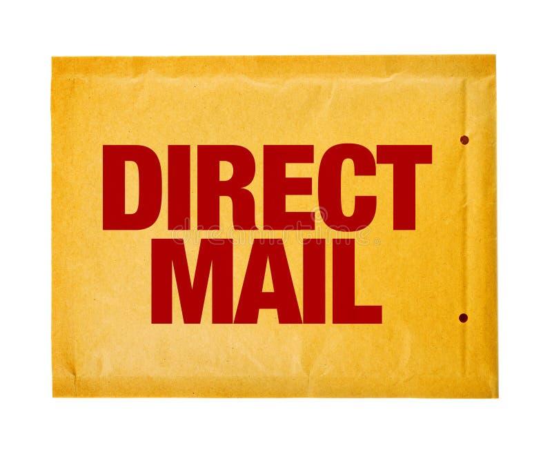 Envelope postal do direct mail no fundo branco fotos de stock royalty free