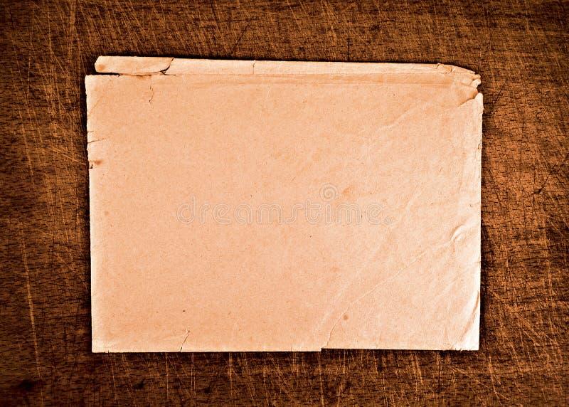 Envelope rasgado. imagem de stock royalty free