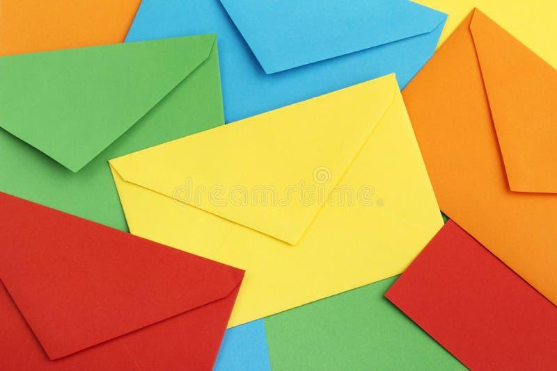 Envelopes coloridos fotografia de stock royalty free