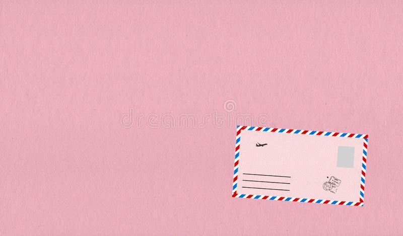 Envelopes cor-de-rosa com grânulo ilustração stock