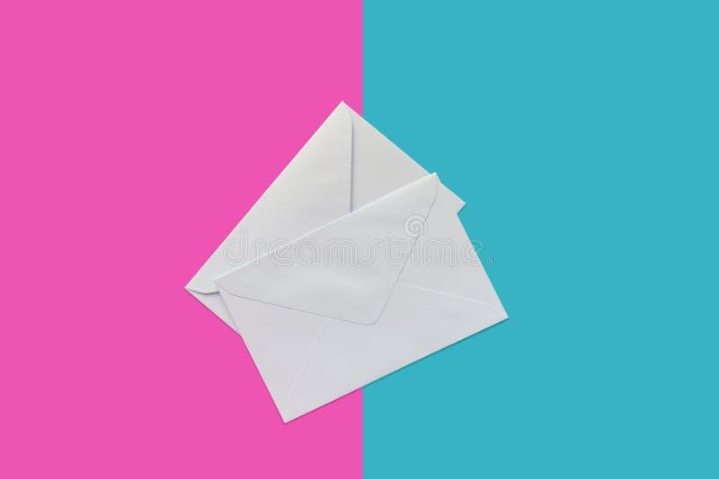 Enveloppes à deux lettres photo libre de droits