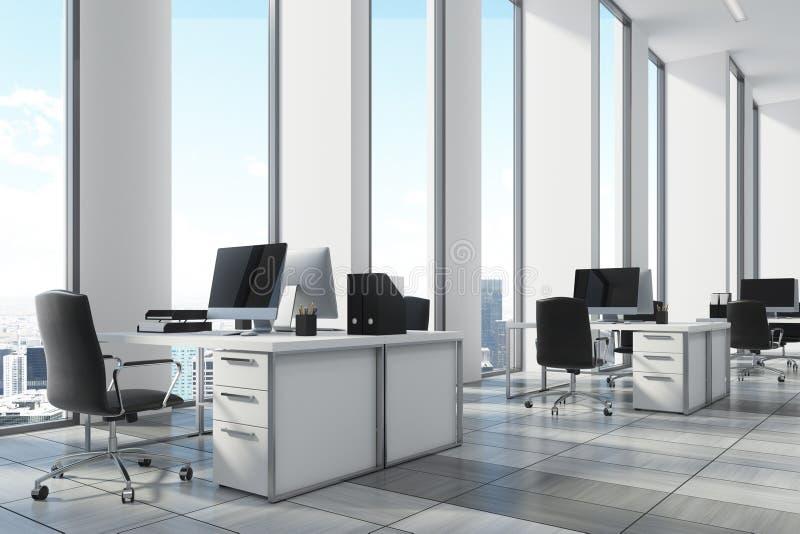 Environnement ouvert de bureau de blanc haut étroit de coin
