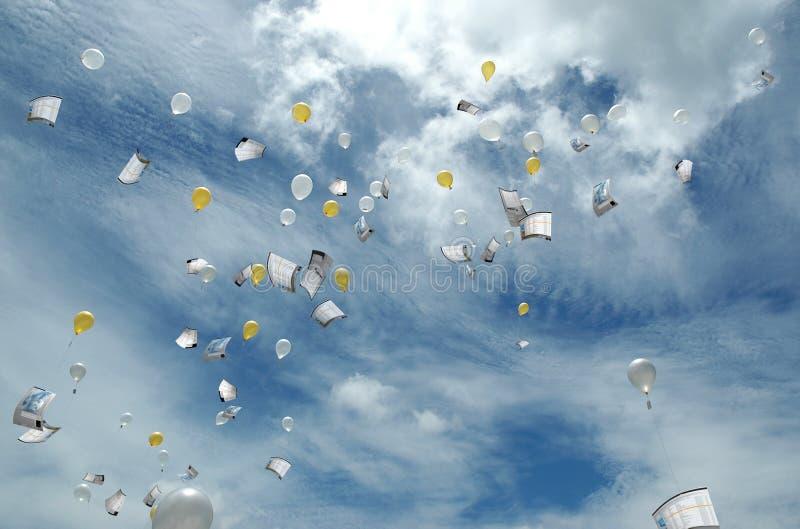 Envoi des données au nuage photo libre de droits