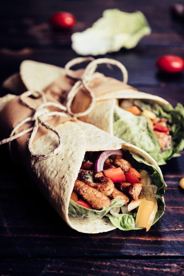 Envoltório mexicano do Tortilla imagem de stock royalty free