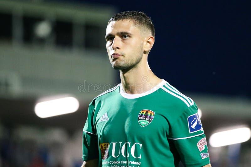 Eoghan Stokes på ligan av Irland den första uppdelningsmatchen mellan Cork City FC vs St Patricks idrotts- FC royaltyfria bilder