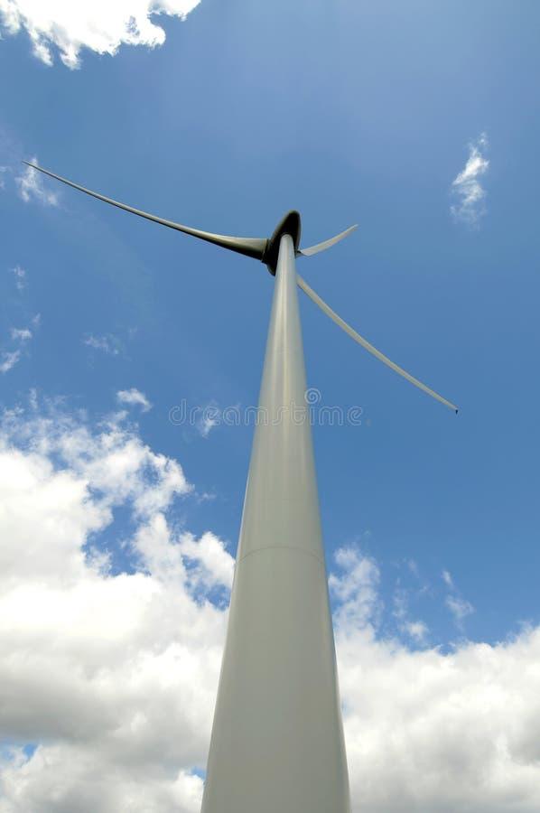 Eolic - turbina de vento fotos de stock royalty free