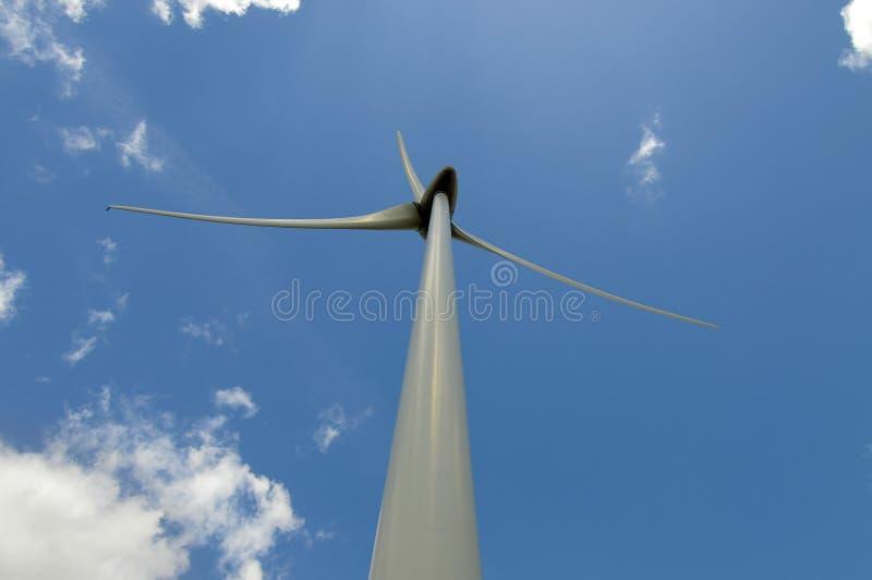 Eolic - turbina de vento fotos de stock
