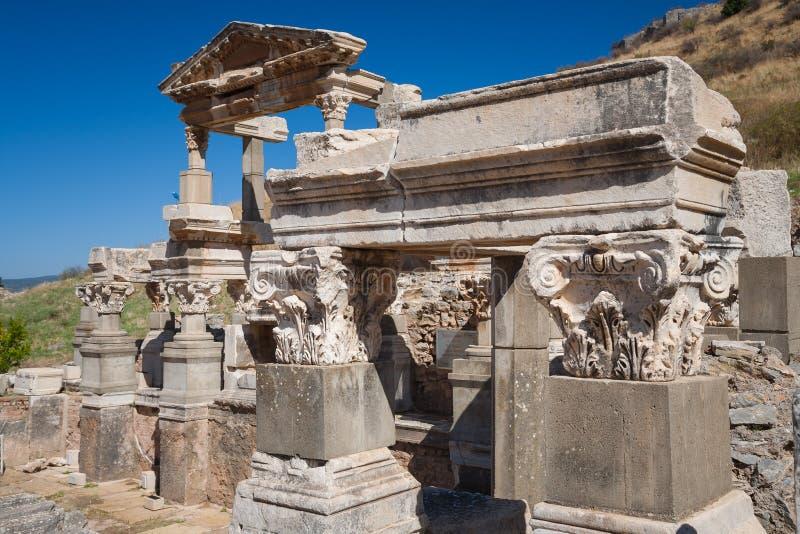 Download Ephesus, Turcja obraz stock. Obraz złożonej z turysta - 53790593