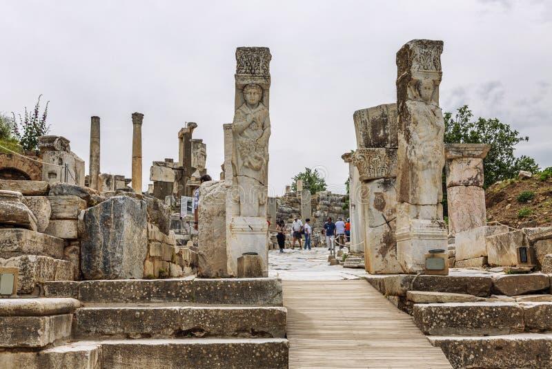 Ephesus, Turquía, 05/20/2019: Las ruinas de la ciudad antigua fotos de archivo