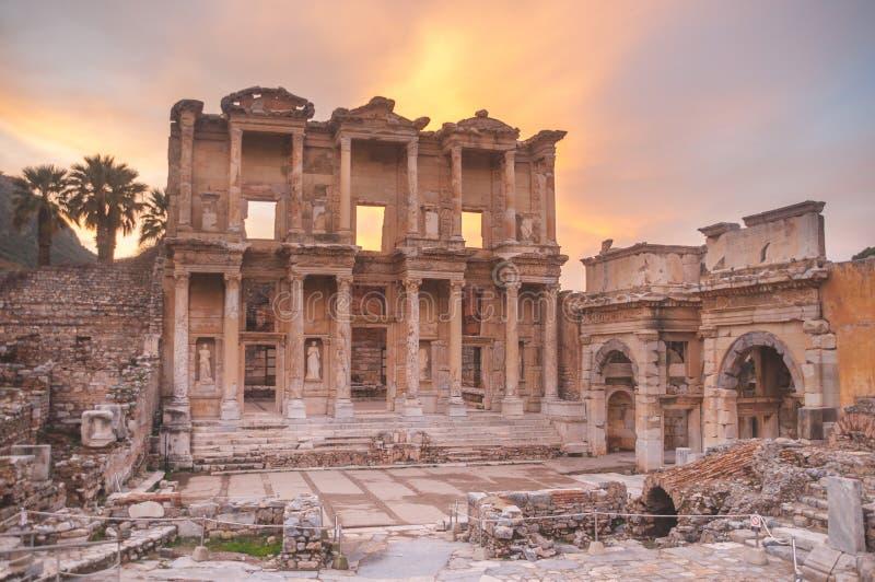 Ephesus, Turquia: Sobreviv?ncia passada b?blica com o tempo imagens de stock royalty free