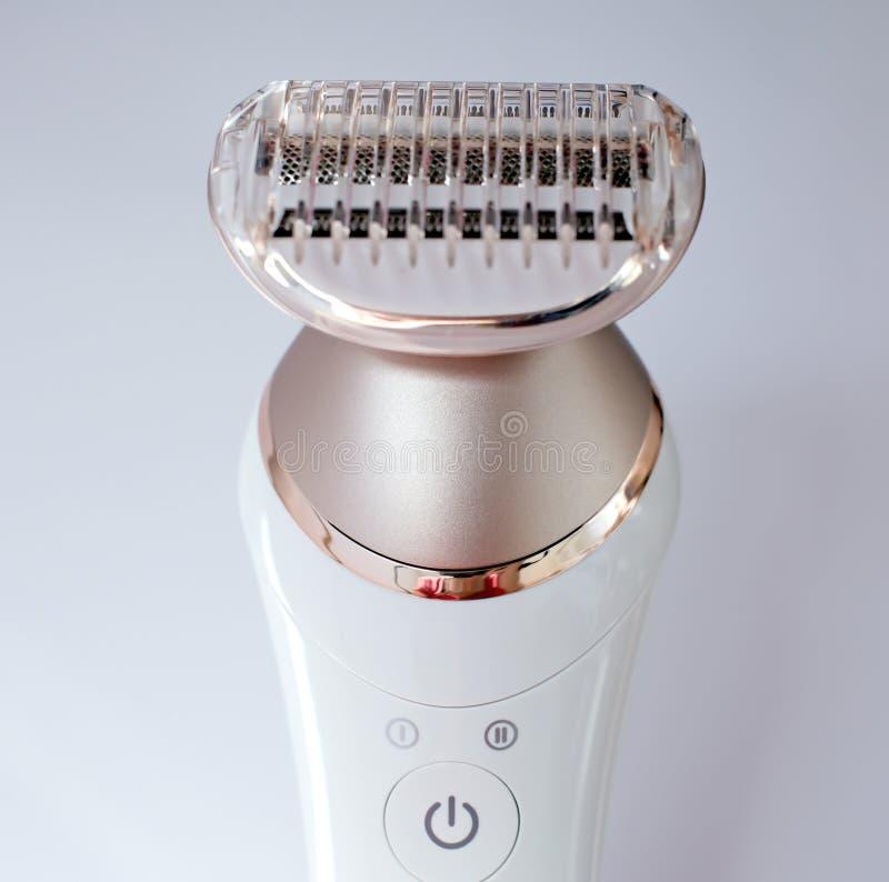 Epilator para remover o cabelo do corpo e o cabelo da cara imagem de stock