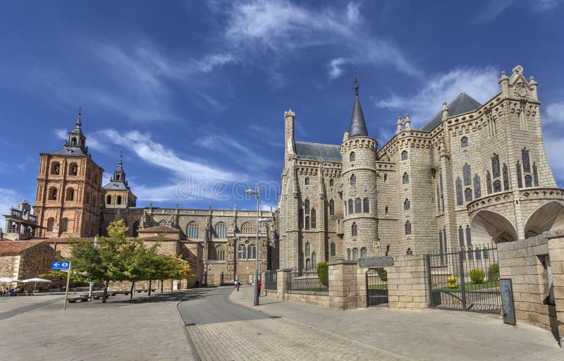 Episkopaler Palast und Kathedrale von Astorga lizenzfreie stockfotografie