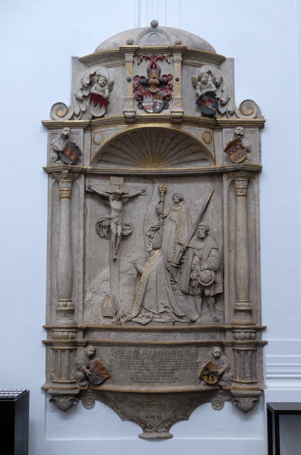 Epitaph f?r Bischof Konrad von Thungen in W?rzburg-Kathedrale lizenzfreies stockfoto