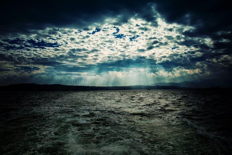 Epopei chmury i morze fotografia stock