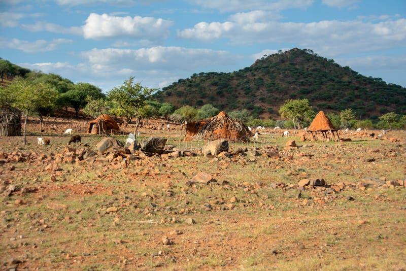 Epupa, Намибия - 08 могут посещение 2018 к удаленной деревне himba стоковое фото