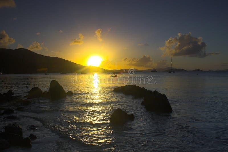 Equatoriale zonsondergang stock afbeeldingen