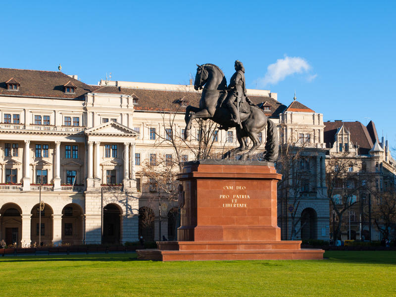 Equestrian statua Ferenc Rakoczi wspinał się na koniu, Kossuth Lajos kwadrat, Budapest, Węgry, Europa obrazy stock