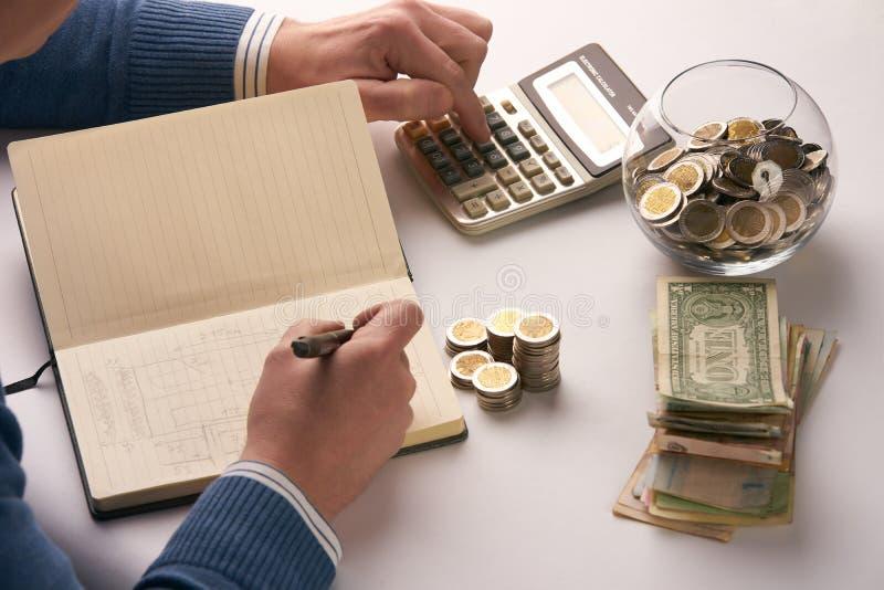 Equilíbrio calculador do contador ou do banqueiro fotos de stock royalty free