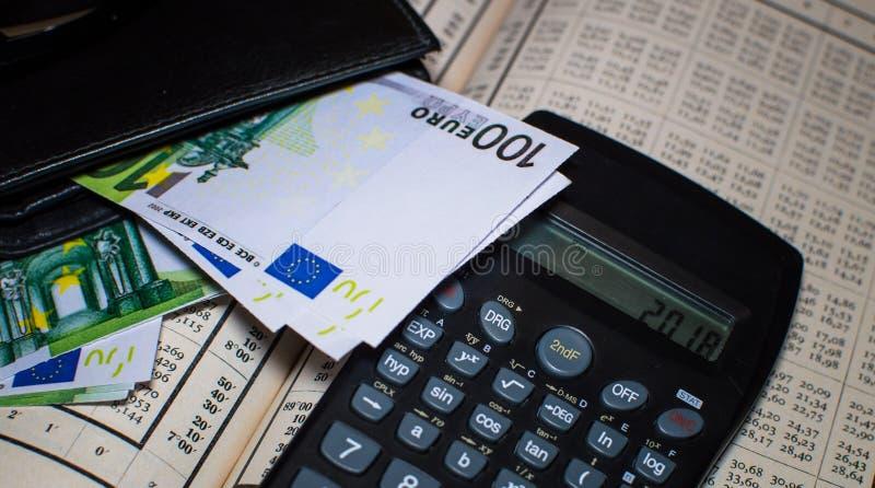 Equilíbrio financeiro com Euro fotos de stock