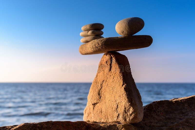 Equilibration av stenar royaltyfri fotografi