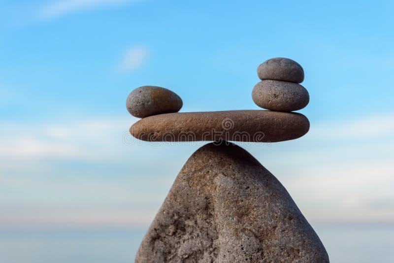 Equilibration av stenar royaltyfri foto