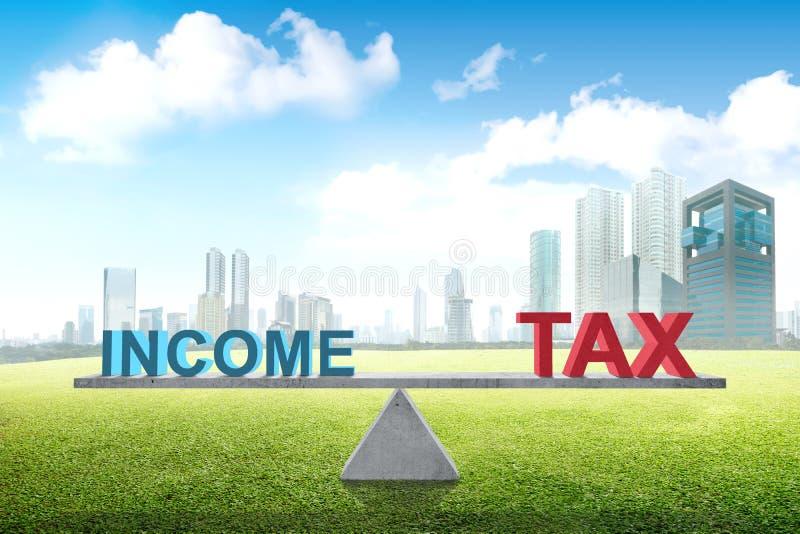 Equilibrio entre la renta y el impuesto imágenes de archivo libres de regalías