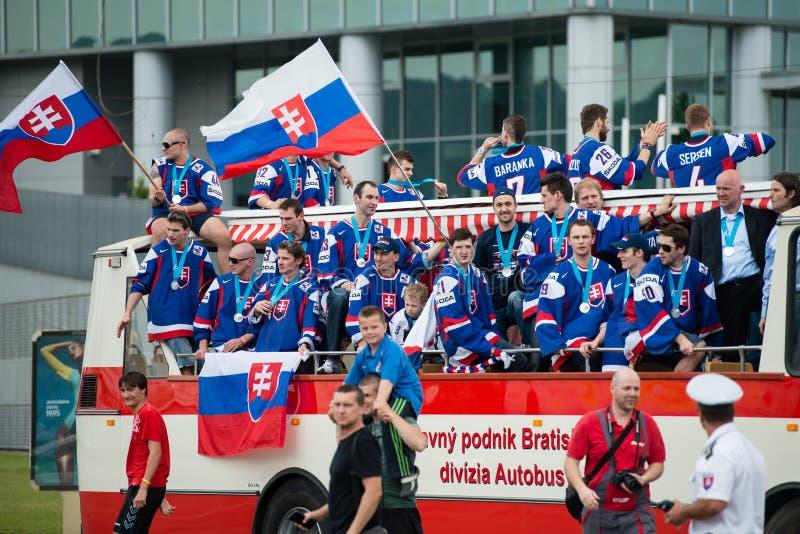 A equipa de hóquei eslovaca do gelo cumprimenta com ventiladores imagem de stock