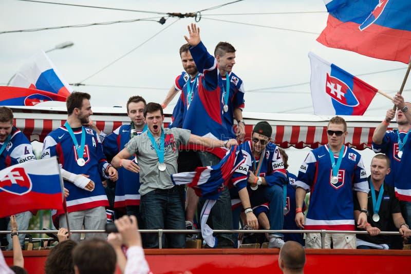 A equipa de hóquei eslovaca do gelo cumprimenta com ventiladores imagem de stock royalty free
