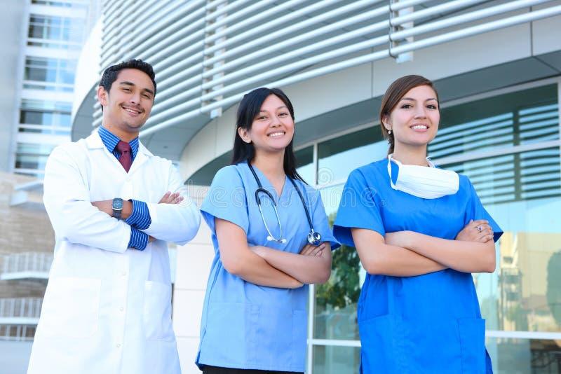 Equipa médica bem sucedida imagens de stock
