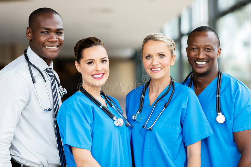 Equipa médica multirracial imagens de stock royalty free