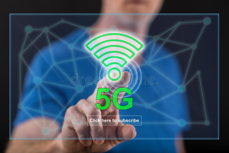Equipaggi il contatto del concetto 5g su un touch screen fotografie stock