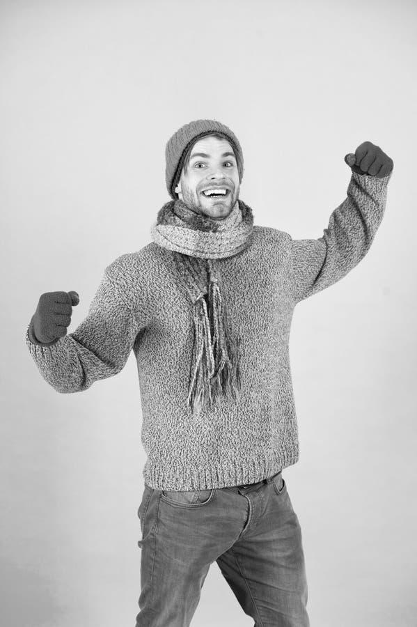 Equipaggi il modo tricottato dell'inverno dei guanti e della sciarpa del cappello Fondo accessorio tricottato del turchese di usu immagine stock libera da diritti