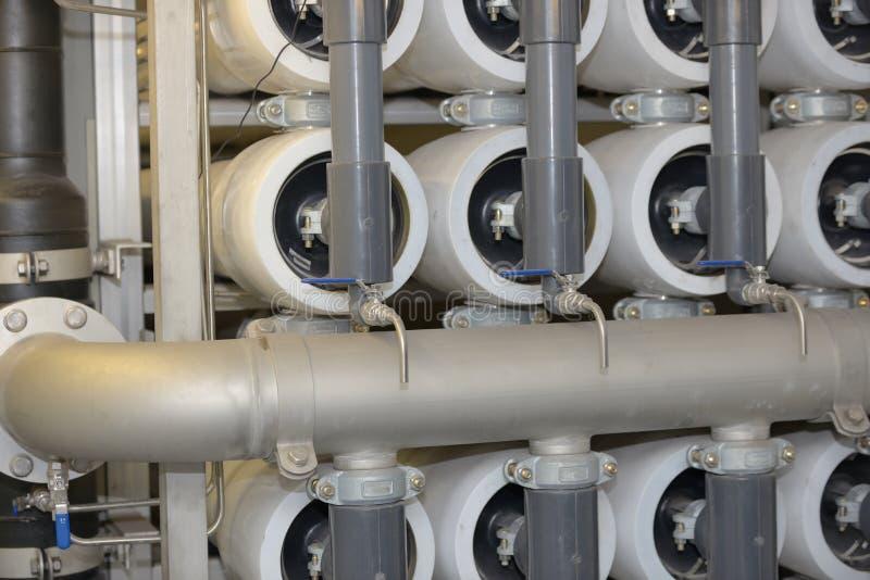 Equipamento da osmose reversa dentro da planta fotos de stock