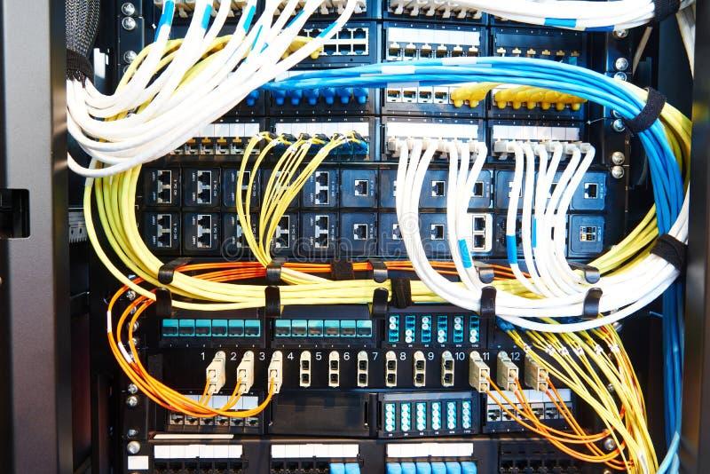 Equipamento da sala do servidor imagens de stock