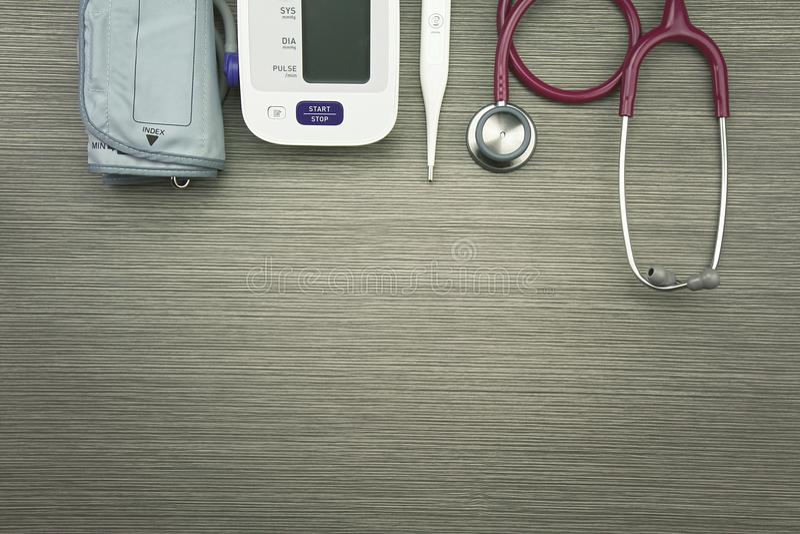 Equipamento de exame médico para o controle de saúde fotografia de stock