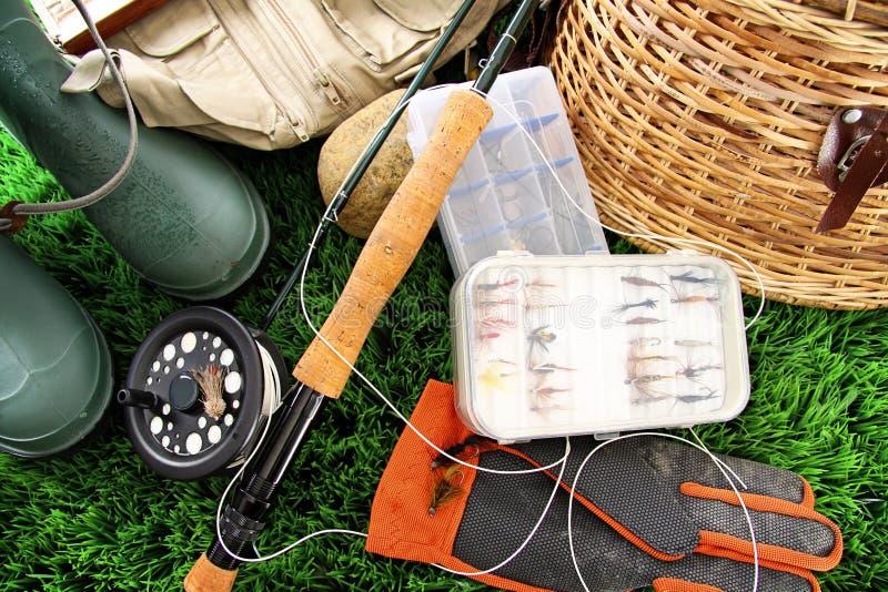 Equipamento de pesca com mosca pronto para uso fotografia de stock royalty free