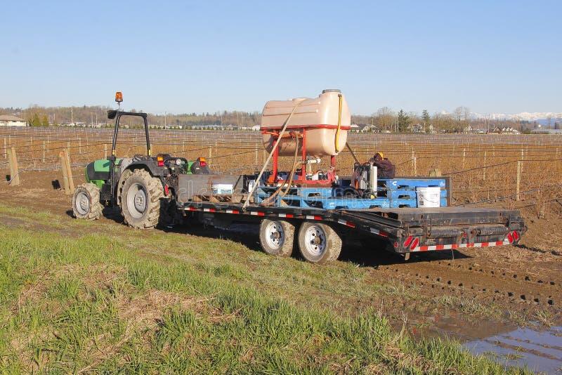 Equipamento de pulverização da colheita agrícola foto de stock
