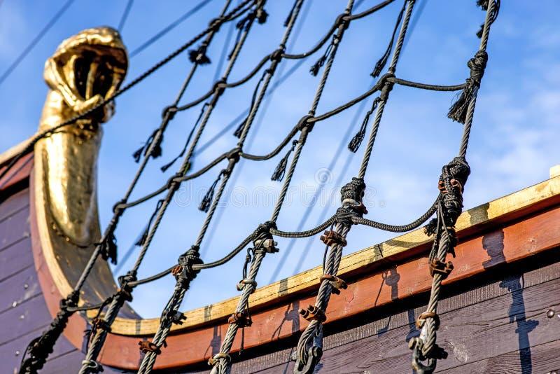 Equipamento de um veleiro histórico velho foto de stock royalty free